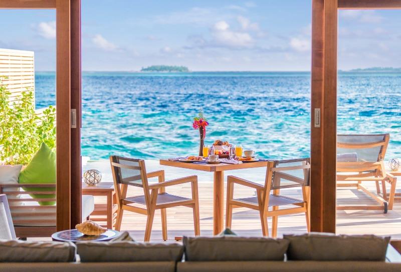 フラワリ・アイランド オーシャンプールヴィラテラスから見える海