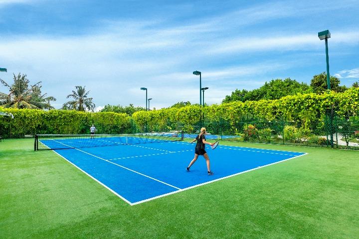 フラワリ・アイランド テニスコート