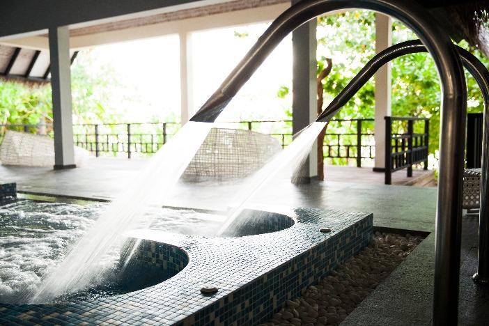 アウトリガー・コノッタ モルディブでは珍しいハイドロプール