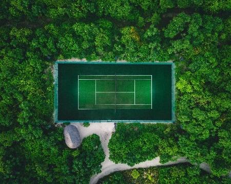 ソネバジャニ テニスコート