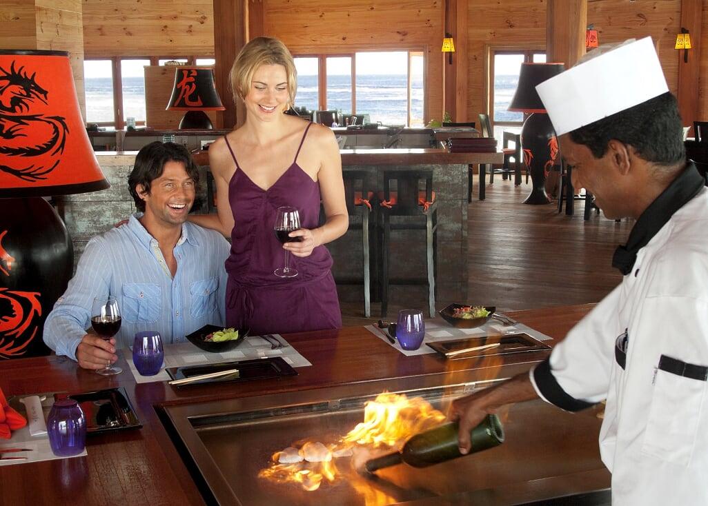 ヴィラメンドゥ・アイランド アジア料理レストランAsianWokRestaurant