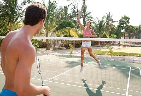 ヴィラメンドゥ・アイランド テニスコート